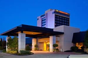 hospitality resort management USA - Crowne Plaza Hotel & Water Park, Cincinnati, Ohio