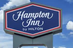 hotel management company - Hampton Inn - Santa Clarita, CA