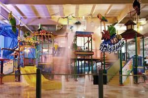 hotel resort management company - Holiday Inn Hotel & Water Park, Fitchburg, Massachusetts