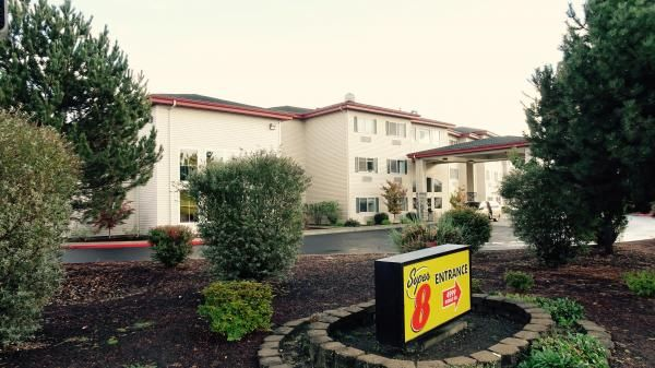 hotel-for-sale-Medford-Oregon-8.jpg